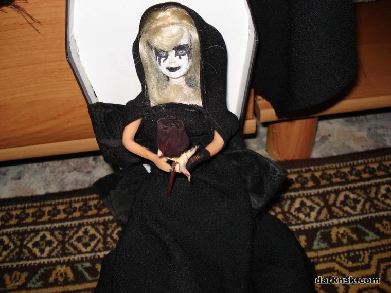 Gothic_Barbie.jpg